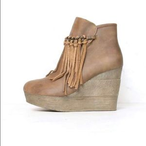 ❗️NEW LISTING❗️SBICCA Vintage Collection Boots